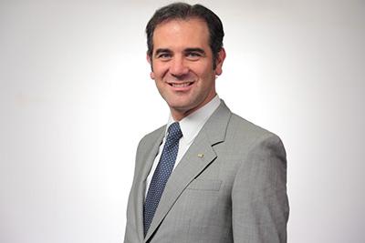 Dr. Lorenzo Córdova Vianello